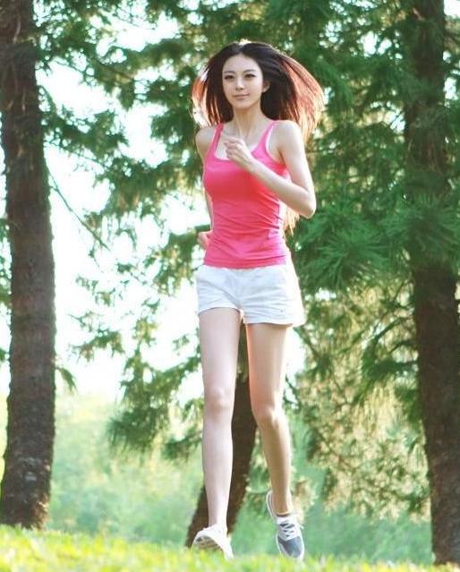 中国第一黄金比例美女 其男友为缉组图