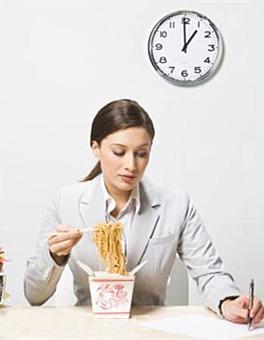 """营养专家支招""""办公族""""如何吃好三餐"""