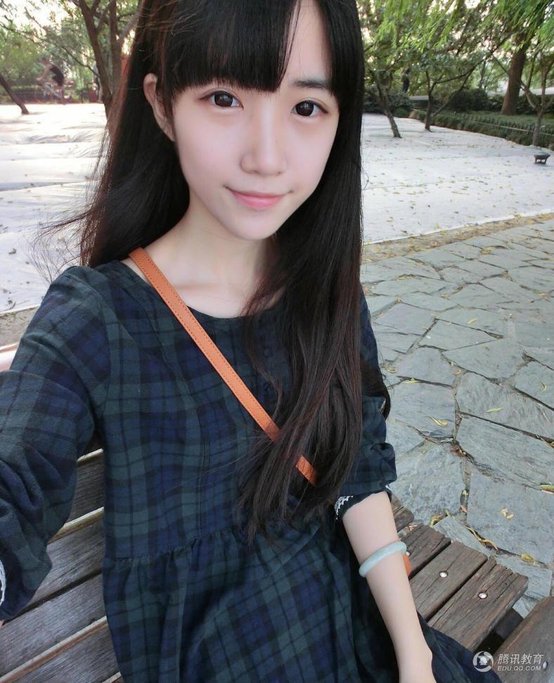西音校花清纯甜美似初中生 网友大呼惊艳(图)