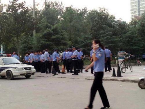 蓝翔百人跨省打架事件学校回应:学生是去打扫卫生/图