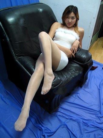 一年挣10万元的腿:平面模特拍贵 不亚于裸拍(图
