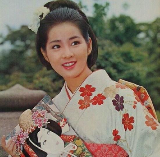 图揭日本早期国宝级影后 纯净如水美丽大方