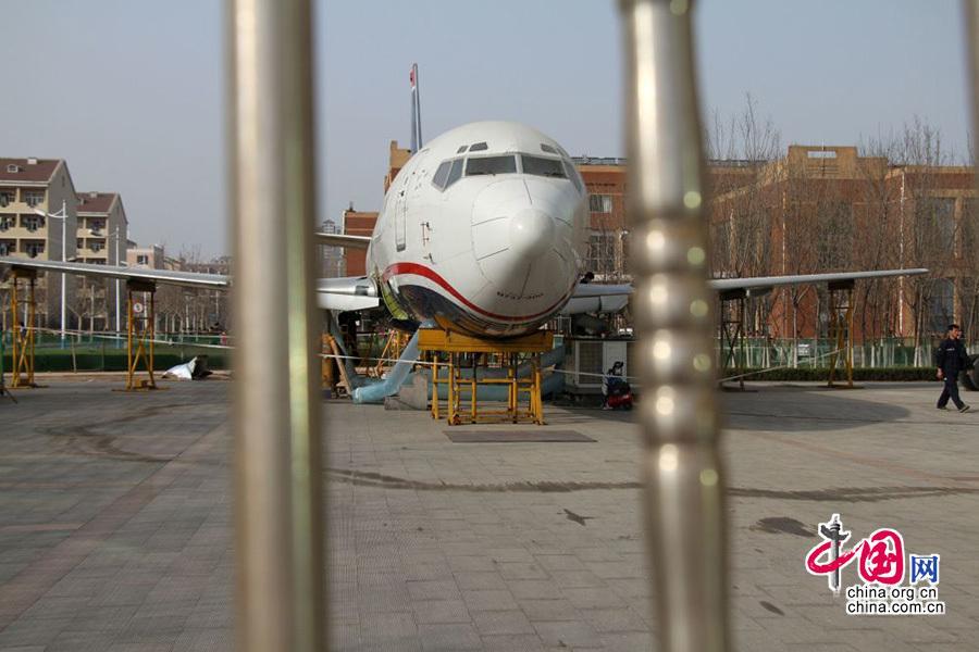 滨州学院波音737-300飞机机翼回装完成 将举行启用仪式