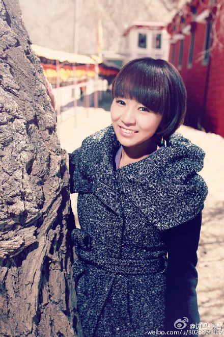 美女演唱藏语版《喜欢你》走红
