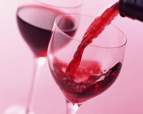 喝葡萄酒能减肥?专家:说法不靠谱