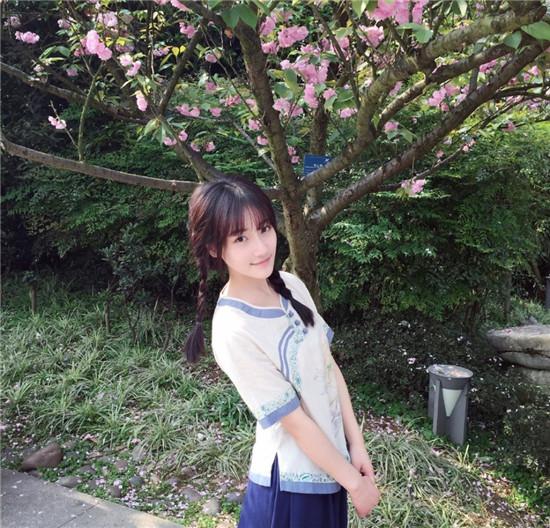 18岁最美校服女神高晴 阳光清纯美到窒息