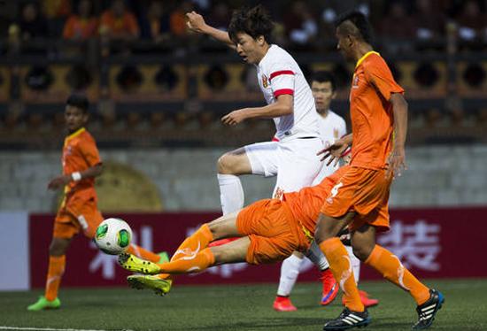 国足客战不丹6比0狂胜 过程别扭攻击线近乎慌乱