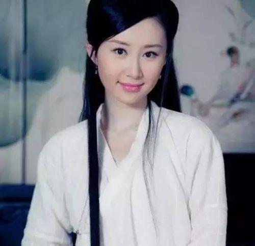 电视明星杨蓉的素颜照片
