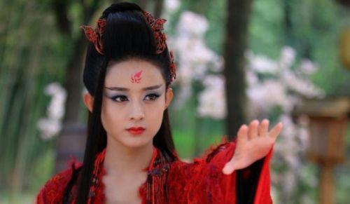 建华赵丽颖吻戏被删 杀姐姐突然睁眼引吐槽图片