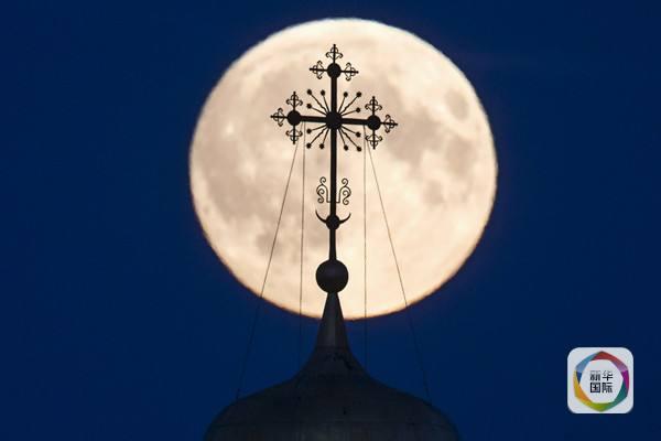 地区拍摄的超级月亮