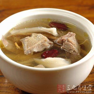 茶树菇,胡萝卜   配料:盐