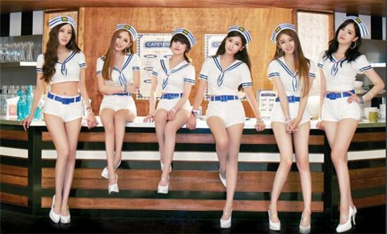 王思聪的妹子 T ara上演制服诱惑 秀性感美腿 组图