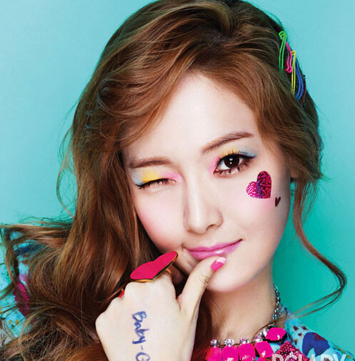 圣诞节艳压全场 韩国女星实力派眼妆学起来(组图)