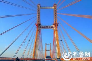济南三座黄河大桥今起本地小客免费 开专用免费车道(图)