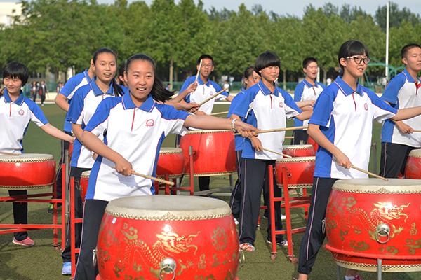 昌乐二中初中部举行乐器学习期中展演