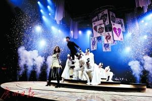 李克勤容祖儿广州演唱会要用音乐讲那些谈情说爱的往事