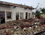 海南文昌遭龙卷风侵袭 749人受灾178间房屋损毁(组图)