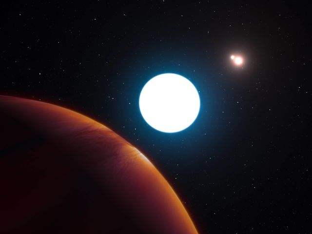 """构想图:编号为""""HD 131399Ab""""的行星(左下)环绕着三个""""太阳""""。(图片来源:新华/美联)   动漫《七龙珠》里龙珠的故乡那美克星有三个""""太阳"""",三颗小恒星""""轮流上班"""",永远没有黑夜。   美国天文学家7日宣布,在半人马座发现了一个类似的奇妙世界,一颗行星也有三个""""太阳"""",而且有时全天处于白昼状态。亚利桑那大学研究人员在《科学》杂志上刊文说,这颗行星编号为""""HD 1"""