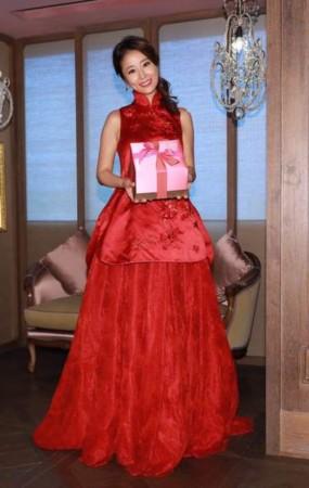 心台北归宁宴 新娘穿大红旗袍遮孕肚 组图图片