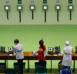 组图:中国首金诞生!女子10米气手枪张梦雪夺冠