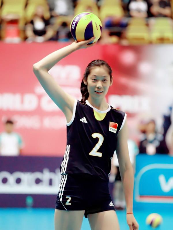 中国女排主攻朱婷签约土耳其豪门 年薪达千万