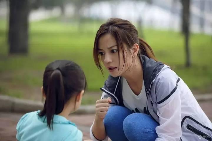 杭州妈妈怒砸女儿的手机!原因戳中所有家长痛点……
