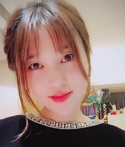 金莎承认整容 去韩国做了个单眼皮(组图)