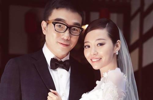 靓颖冯轲举行婚礼 女儿结婚妈妈却还没收
