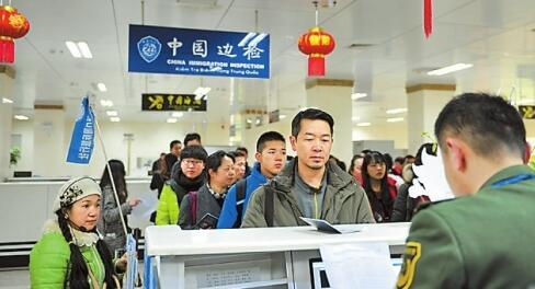 """中国发力世界机遇 """"七亿人次出境游""""动静有多大"""