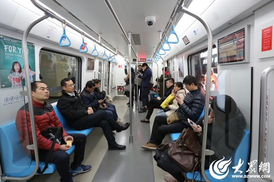 据负责青岛地铁3号线大型室内移动信号分布系统项目的青岛铁塔