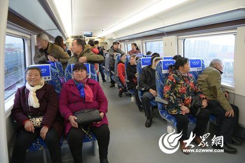 由中车青岛四方机车车辆股份有限公司自主研制的crh6f城际动车组上线