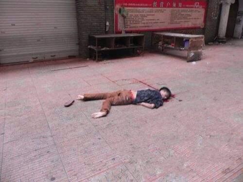 3岁男童坠楼身亡 继幼女撑伞从11楼跳下的又一悲剧(组图)