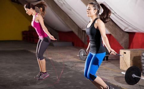 7个最有效跳绳运动燃烧跳绳也是瘦身方法效果很好的,跳绳30分钟怎么瘦肚子和脂肪的运动屁股图片