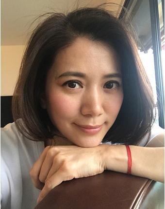 """袁咏仪晒素颜照 网友评论""""仙女是不需要美图的"""""""