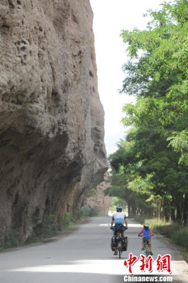 台湾女孩6岁骑行千里丝路9年来横越亚非、北美多国