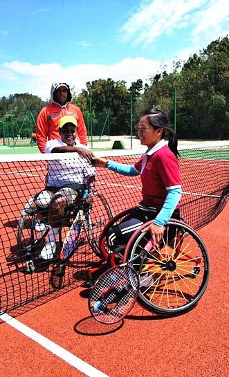 中国轮椅网球队获女团世界冠军!她们要为汶川地震弥合伤口