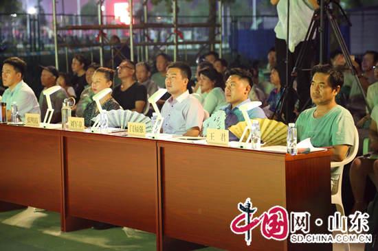滨州市第三届戏迷大赛决赛开唱 25名选手表演经典戏曲(组图)