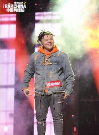 《中国有嘻哈》总决赛张震岳&热狗与GAI艾福杰尼同台献唱
