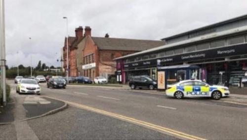 英国伯明翰一教堂发生袭击事件 三人被刺伤