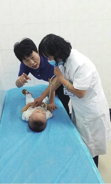 济南街头再次上演暖心一幕 男童突然晕厥众人接力救治