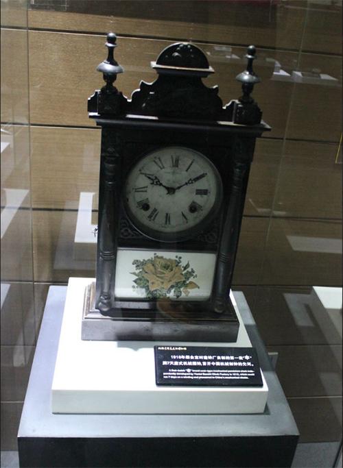 1中国第一批机械摆钟,首开中国机械制钟的先河