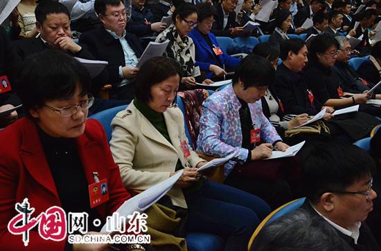 山东省十三届人大一次会议开幕 龚正作政府工作报告