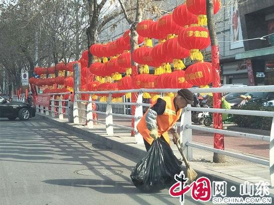 滨州市城区一线环卫工春节不歇岗 保环境卫生不走样