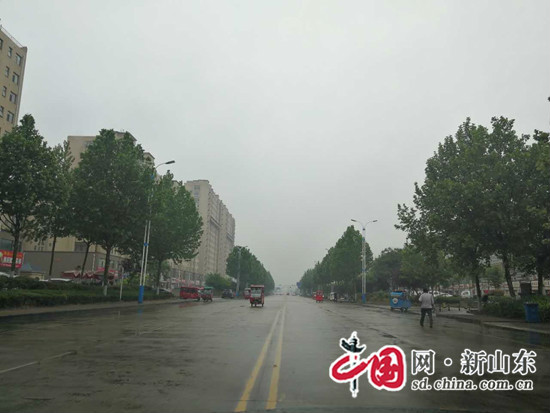 """临沂高新区取缔马路市场""""脏乱差""""变身""""洁净美"""""""
