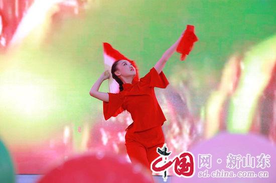 滨州莲华学园2015级毕业典礼隆重召开